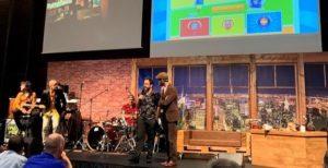 Alex Martinez Vidal y Joan Boluda presentando los premios emprendedor 2019